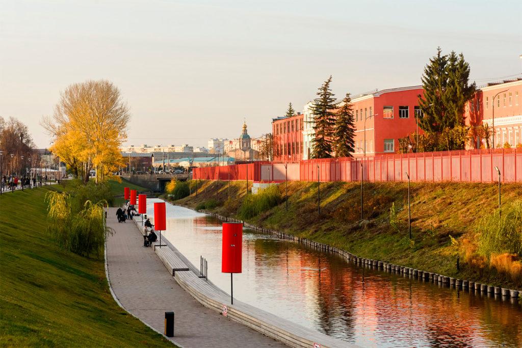 Город Тула. Казанская набережная возле Тульского кремля