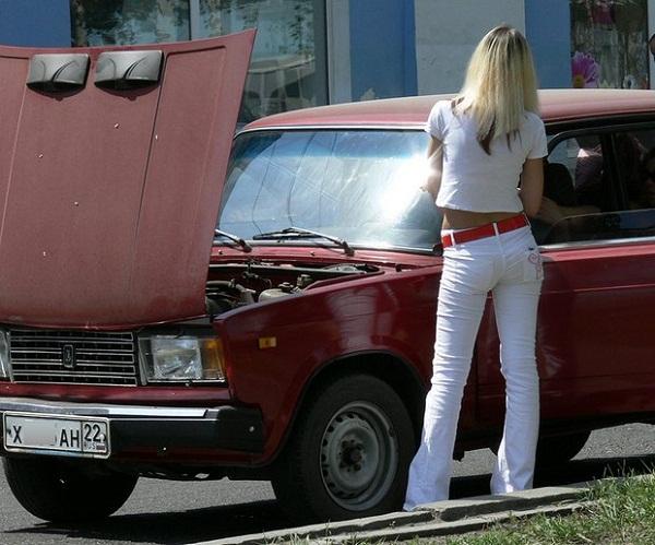 Что делать если сломалась машина на дороге?